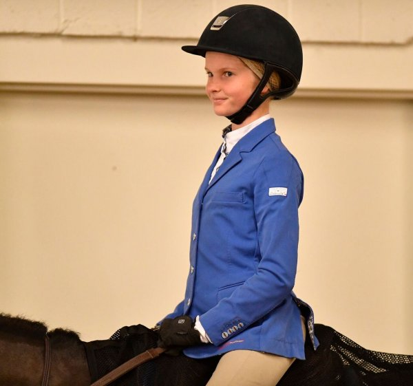 © Alden Corrigan: Emilie Bell pracitcing her best postion for her Leadline