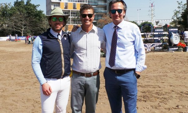 © : Francisco Pasquel, EQ CEO and winner of the Grand Prix, with Course designers Anderson Lima BRA and Leopoldo Palacios VEN